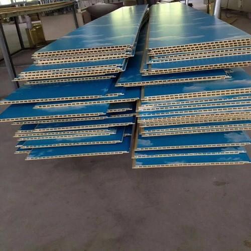 竹木纤维板淋涂UV光油